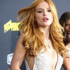 Bella Thorne dating two guys at the same time? The 19-year old actress clarified on Twitter that the rumors were false and that she is two-timing Charlie Puth or Tyler Pose.